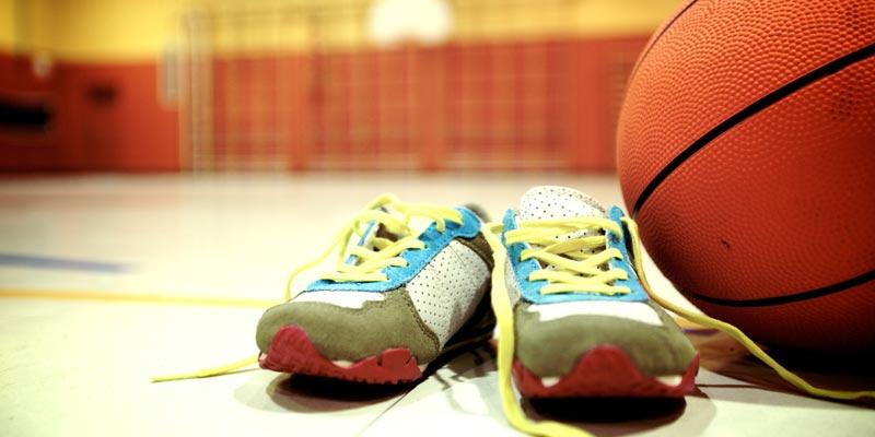 Deporte zapatillas y balón